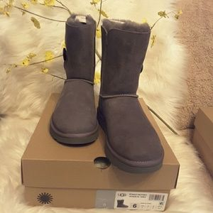 AUTHENTIC GENUINE W/ BAILEY BUTTON II BOOT